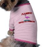Flamenco atrapado en un cuerpo humano camisetas de mascota
