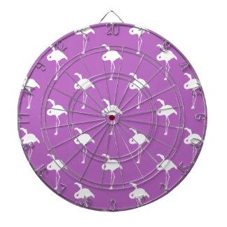 Flamenco blanco en púrpura de la lavanda