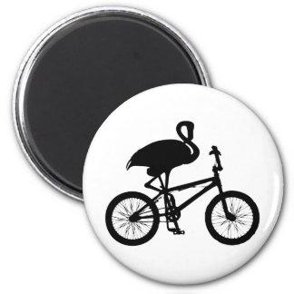 Flamenco en silueta de la bicicleta imán redondo 5 cm