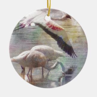 Flamenco en vuelo ornamento para arbol de navidad