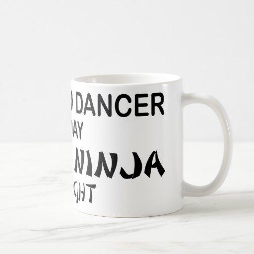 Flamenco Ninja mortal por noche Tazas