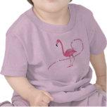 Flamenco rosado del país de las maravillas camisetas