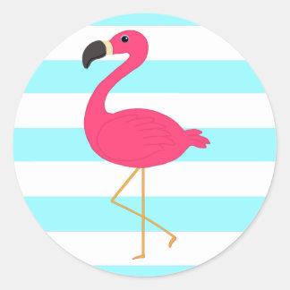 Flamenco rosado en rayas ligeras del trullo pegatina redonda
