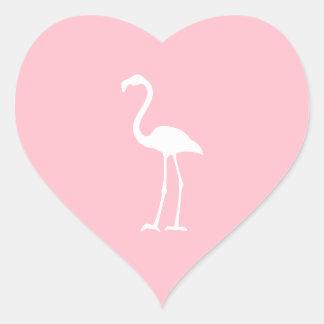 Flamenco rosado y blanco pegatina en forma de corazón