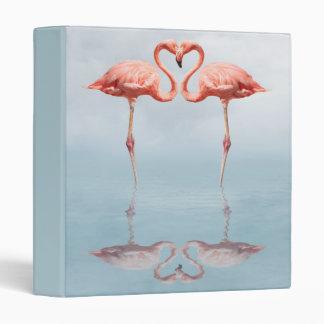 Flamencos rosados en carpeta del amor