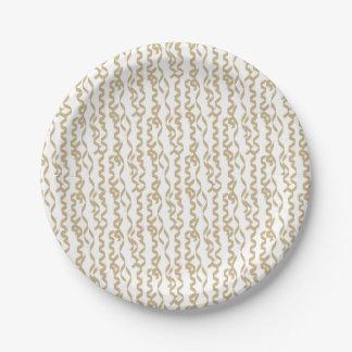 Flámulas del fiesta del oro en el fondo blanco plato de papel de 7 pulgadas