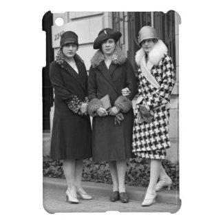 Flapper Girls, Cloche Hats 1920s iPad Mini Cases