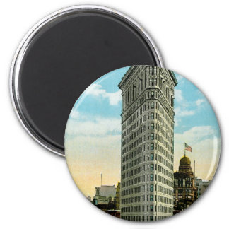 Flat Iron Building. Broadway and Fifth Ave. NYC 2 Inch Round Magnet