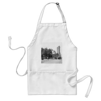 Flatiron from 5th, NYC: 1906 Adult Apron