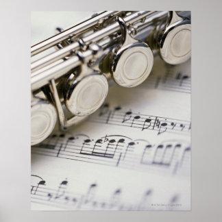 Flauta en partitura póster