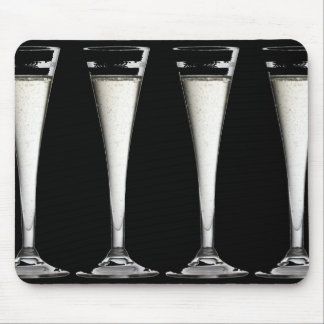 Flautas blancos y negros del vidrio de Champán Tapete De Ratones
