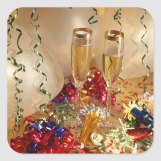 Flautas de champán, flámulas y noisemakers pegatina cuadrada