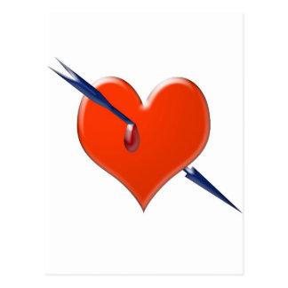 Flecha a través del corazón postal