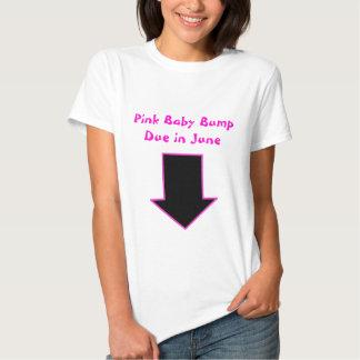 Flecha, bebé rosado BumpDue en junio Playeras