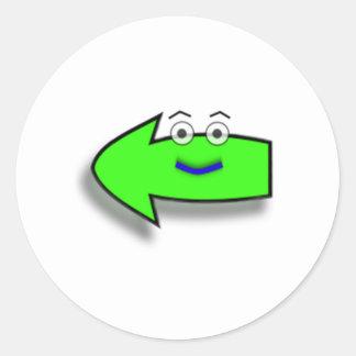 Flecha izquierda sonriente verde etiqueta redonda