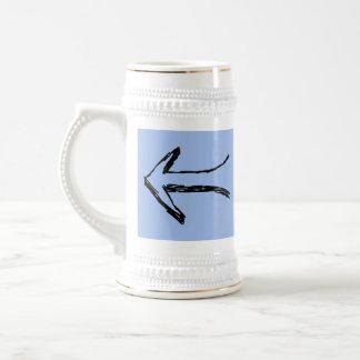 Flecha que señala a la izquierda. Negro y azul Jarra De Cerveza