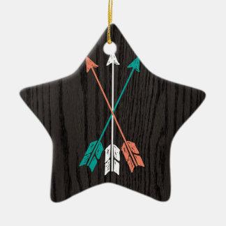 Flechas bosquejadas en viruta ornamento para arbol de navidad
