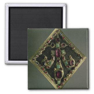 Fleur-de-lys clasp traditionally said to have belo magnet