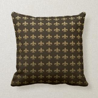 Fleurdelis-King.png Throw Pillow