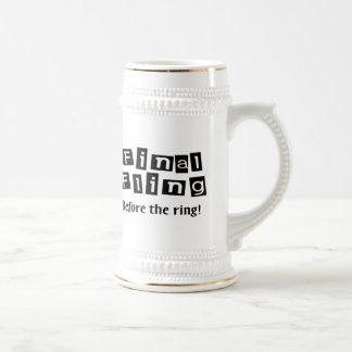 Fling final antes del anillo jarra de cerveza