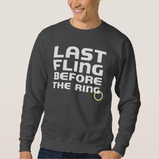 Fling pasado antes de la camiseta del soltero del sudadera