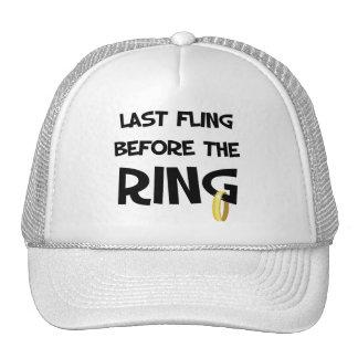 Fling pasado antes del anillo gorros