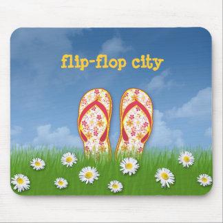 flip-flop city mouse pad