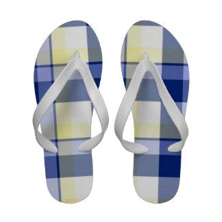 Flips-flopes amarillos azules frescos del tartán d