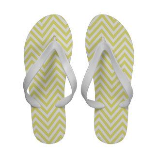 Flips-flopes blancos amarillos de las correas del