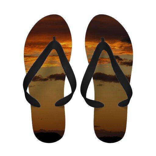 Flips-flopes de la puesta del sol chanclas playa