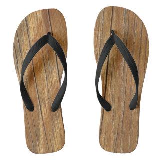 Flips-flopes de madera del grano