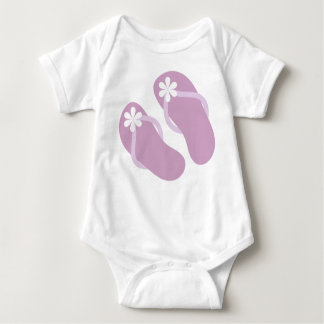 Flips-flopes del bebé en púrpura camisetas