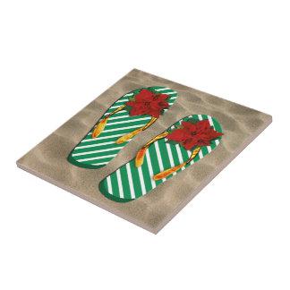 Flips-flopes del fiesta de Navidad en la arena Azulejo Ceramica