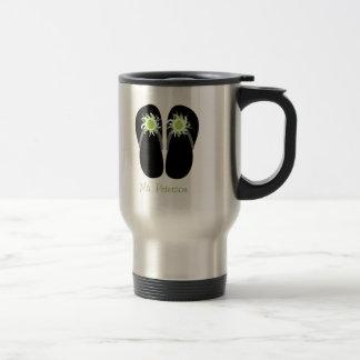 Flips-flopes del profesor con las manzanas verdes  taza de viaje de acero inoxidable