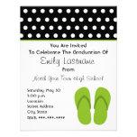 Flips-flopes/graduación verdes de los lunares invitaciones personales