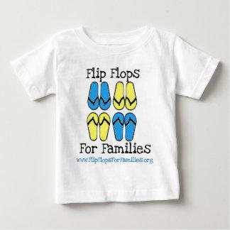 Flips-flopes para el engranaje de las familias remera