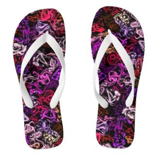 Flips-flopes púrpuras rojos del modelo del
