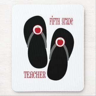Flips-flopes rojos de Apple del quinto profesor de Tapetes De Ratón