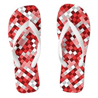 Flips-flopes rojos y rosados del modelo de mosaico chanclas