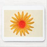Flor amarilla brillante tapete de ratón