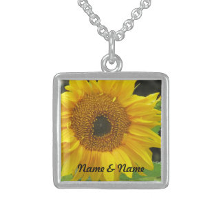 Flor amarilla collar de plata de ley