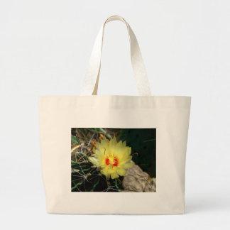 Flor amarilla del cactus del anzuelo bolsas