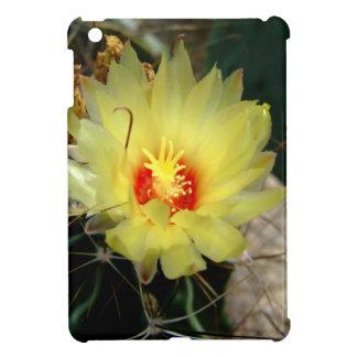 Flor amarilla del cactus del anzuelo iPad mini funda