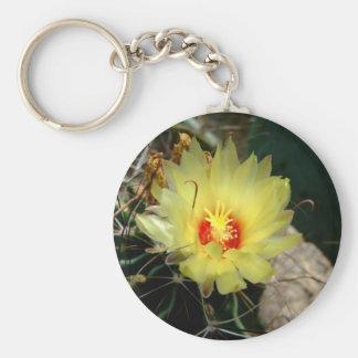 Flor amarilla del cactus del anzuelo llavero