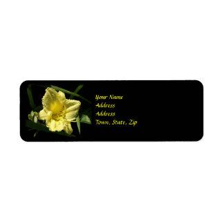 Flor amarilla del Daylily Etiqueta De Remite