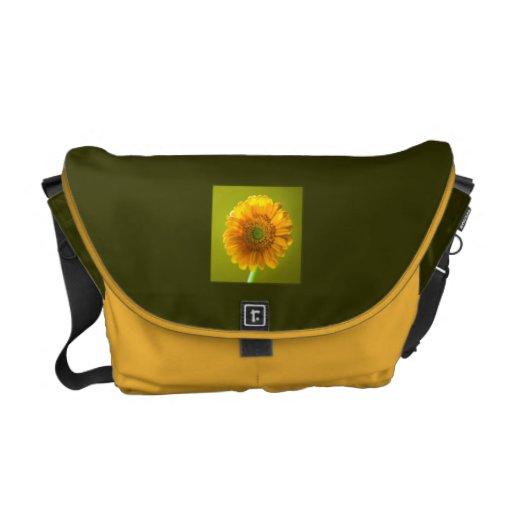 Flor amarilla del Gerbera de la margarita Bolsas De Mensajeria