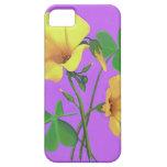 Flor amarilla del trébol iPhone 5 protectores