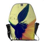 Flor amarilla la bolsa diseño bolsa de mensajeria