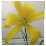 flor amarilla servilleta
