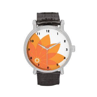 Flor anaranjada coralina en blanco reloj de mano